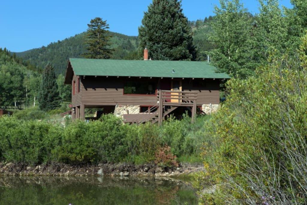 Chicago creek lodge private fishing ski loveland cabins for Loveland co cabin rentals