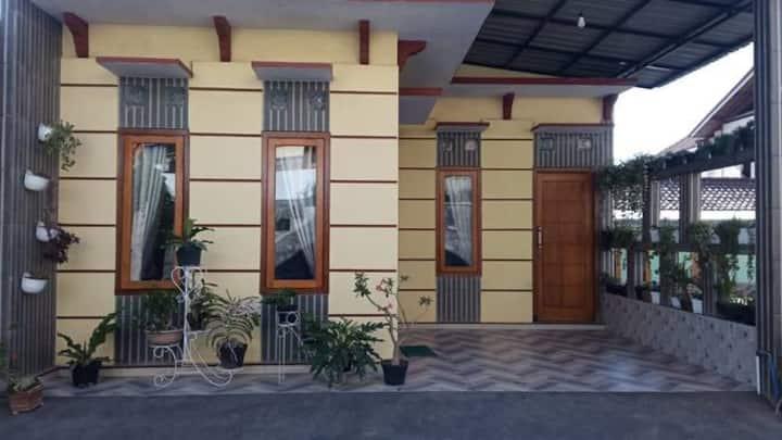 Villa Debi Puncak Bromo