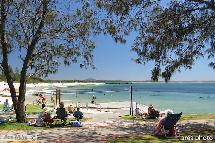 Generous & Stylish Holiday Home - Forster - Dom