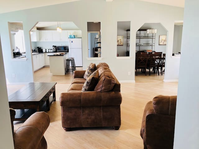 LOV Guest House BMT Disc 15-20 Minute AFB/SeaWorld