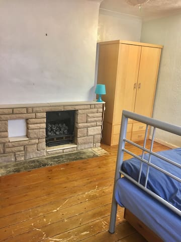 Spacious double room - Hatfield