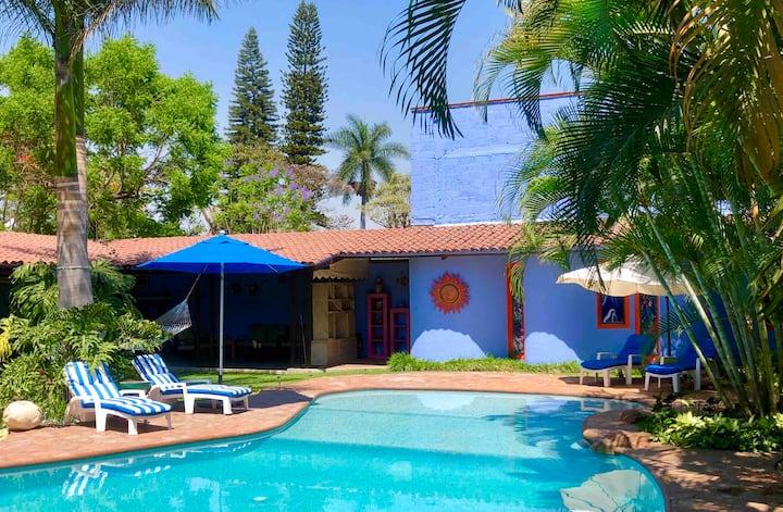 """Habitacion privada en """"Casa Azul""""...te encantará!!"""