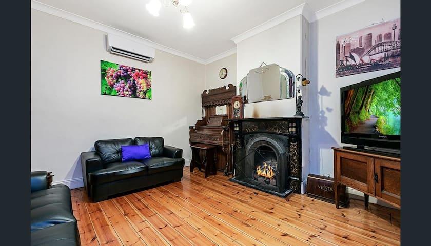 Treasured Memories Cottage offer 3 bedrooms 1 bath