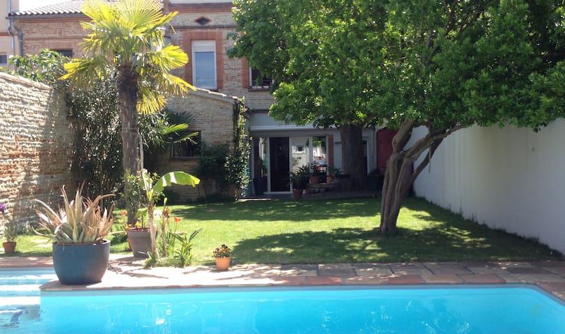 Charme, jardin et piscine en ville. - Toulouse - Talo