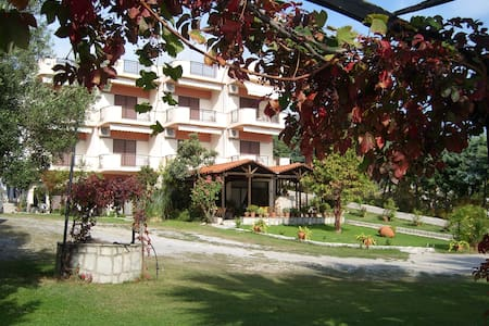 Pension Karvounoskala - Stratoni - Villa