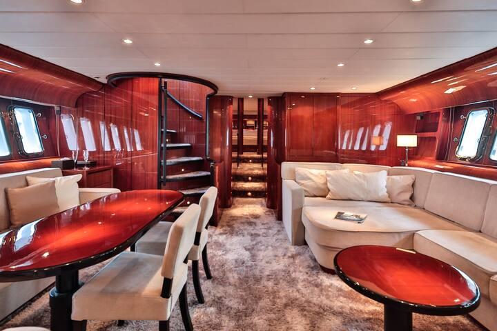 VIP Yacht cabin at Quay, Antibes-Juan Les Pins