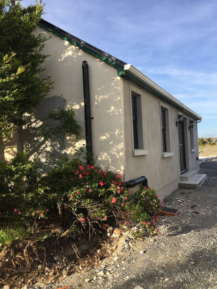 Tigh Noor: Escape to the Burren/Kinvara by the sea