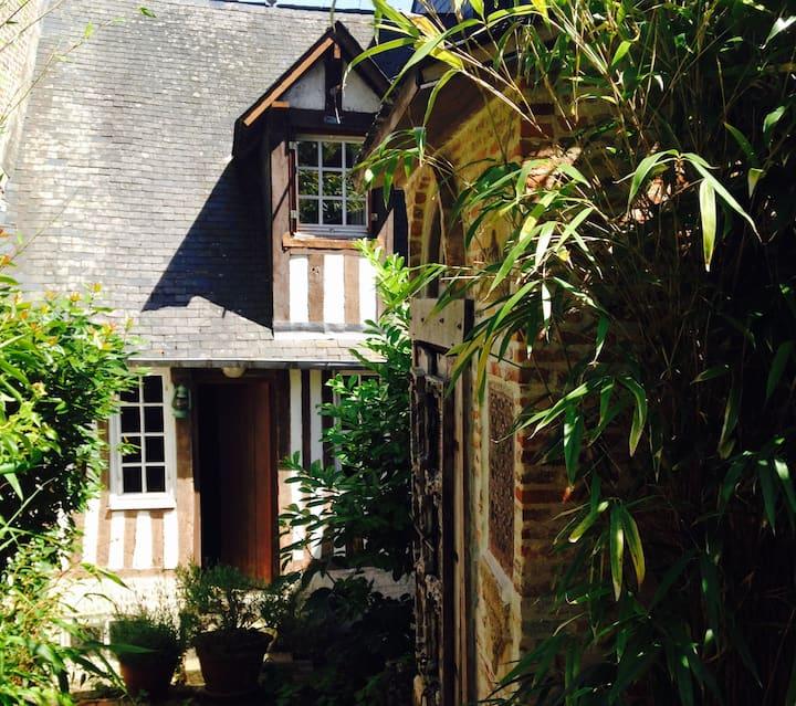 La Honfleuraise et son Pavillon Indien