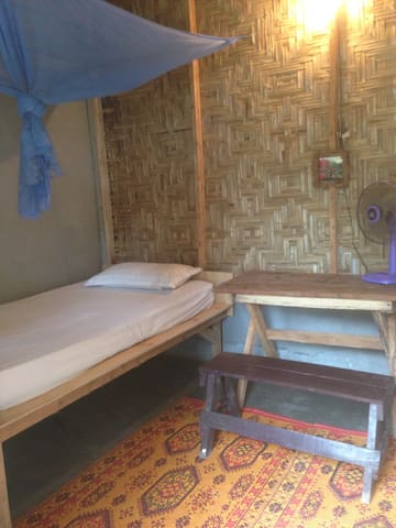 Cheap private room in hostel - Ko Lanta Yai - Rumah