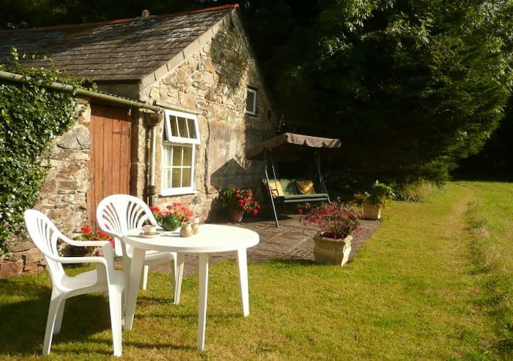 Broom Farm Cottage, Cornish Barn Conversion.