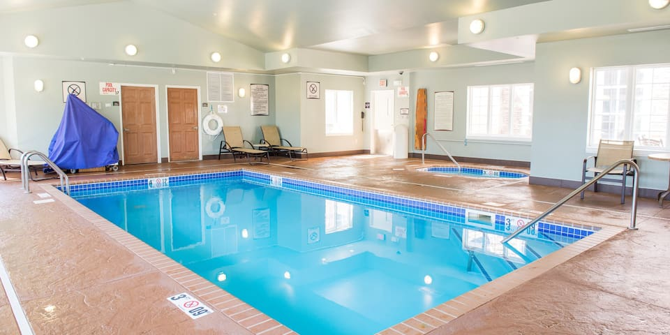 Fully Equipped Suite | Indoor Pool + Hot Tub + Free Wi-Fi, Free Breakfast