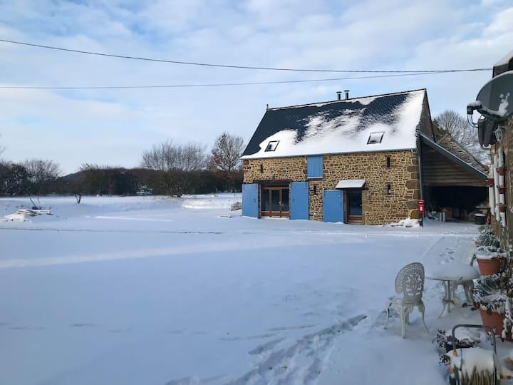 L'HIRONDELLE Normandy/Loire Barn.