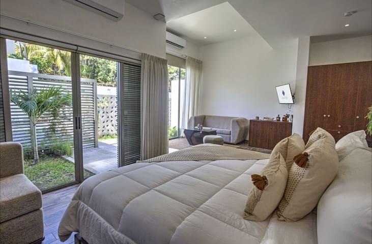 Garten Hotel, Suites: An Idyllic Retreat