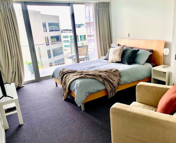 Studio Apartment next to Auckland Domain