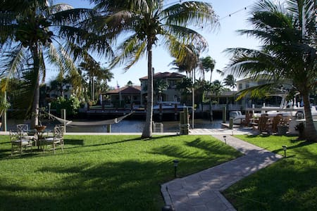 Tropical Haven by the Dock - Lake Worth