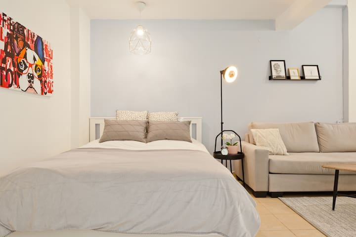 Stylish & Cozy Garden Apartment - Rothschild BLVD