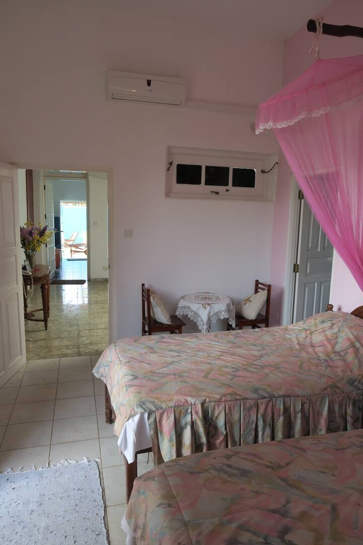 Rose Pink Room, Samyama