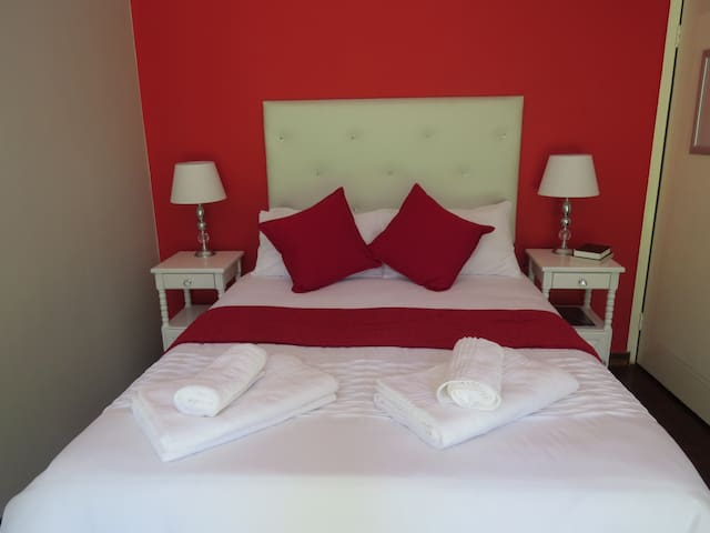 Flutterby Guesthouse - Potchefstroom - Guesthouse