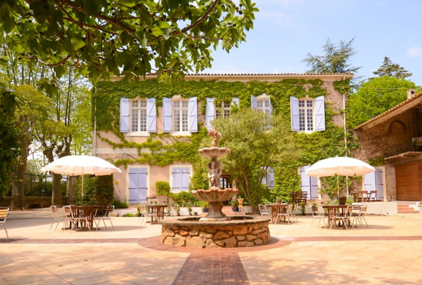 Chateau du Puits es Pratx courtyard restaurant.