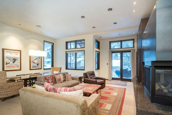 Contemporary & Stylish Condo Right on Telluride's Main Street with Big Mountain Views