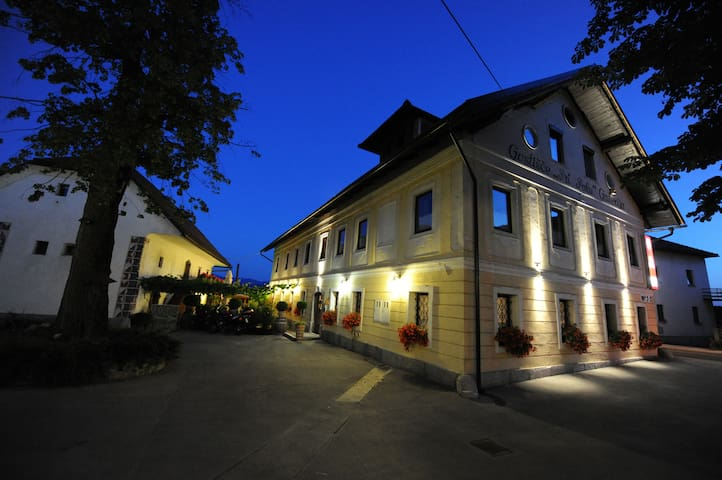 3 stars B&B with free, safe parking - Brezovica pri Ljubljani