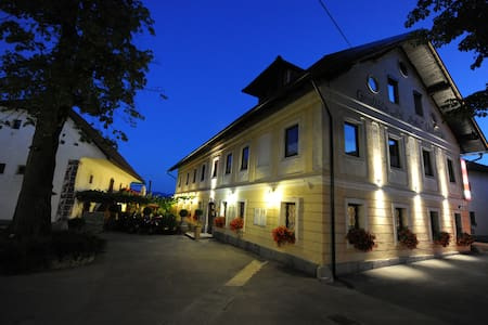 3 stars B&B with free, safe parking - Bed & Breakfast