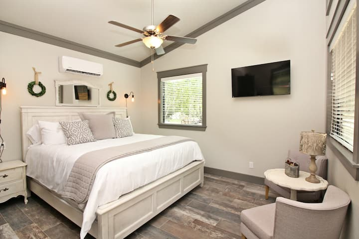 Green Acres Cottages - Luckenbach Suite