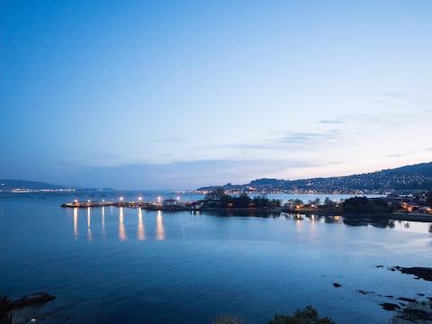 Casa en la Ría de Vigo  frente a la a playa.