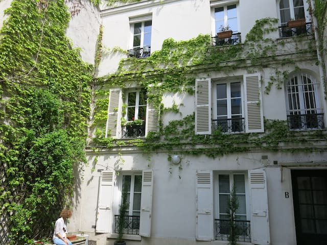 Charming flat in Saint Germain