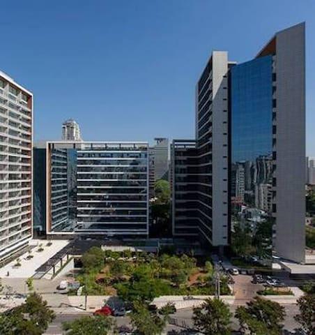Moderno Flat na Faria Lima - São Paulo