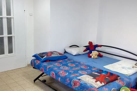 Bed in 6-Bed Mixed Dormitory Room08 - Gedera - Casa