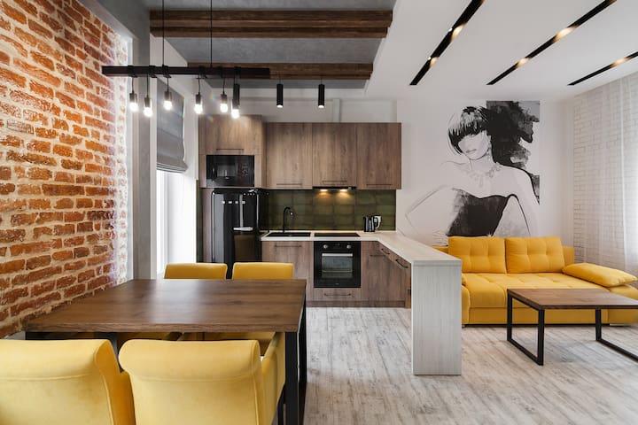 LOFT apartment on Lychakivska street