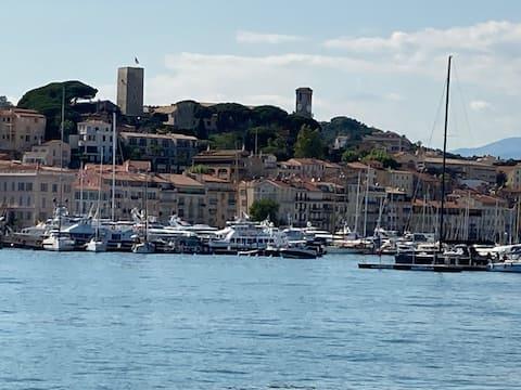Cannes Suquet studio calme proche centre et plage