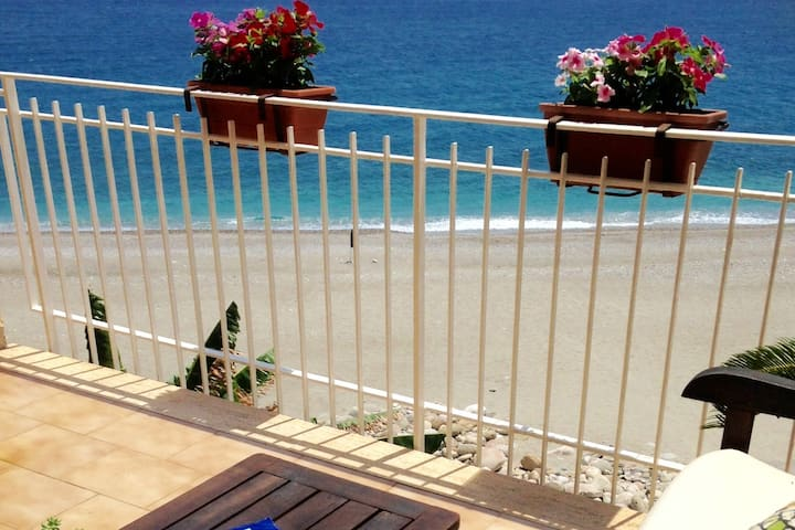Taormina: Apartment  ON THE BEACH with 2 terraces