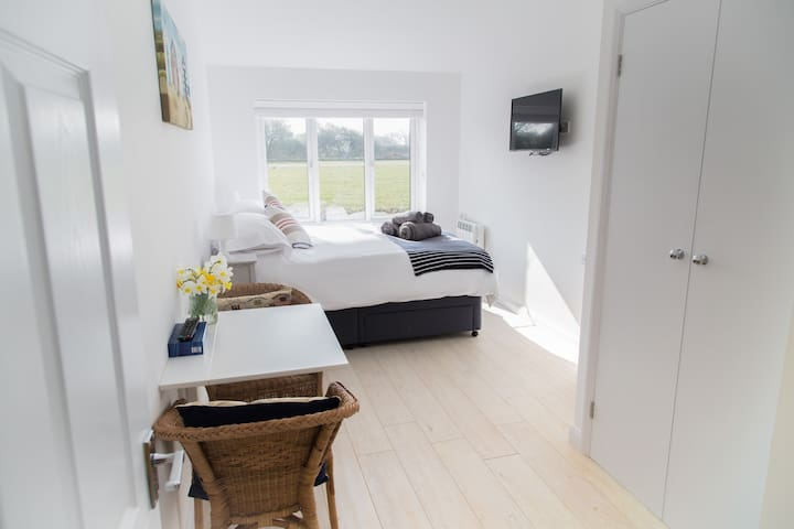 Self contained annexe close to Goodwood/Chichester - West Wittering - Konukevi