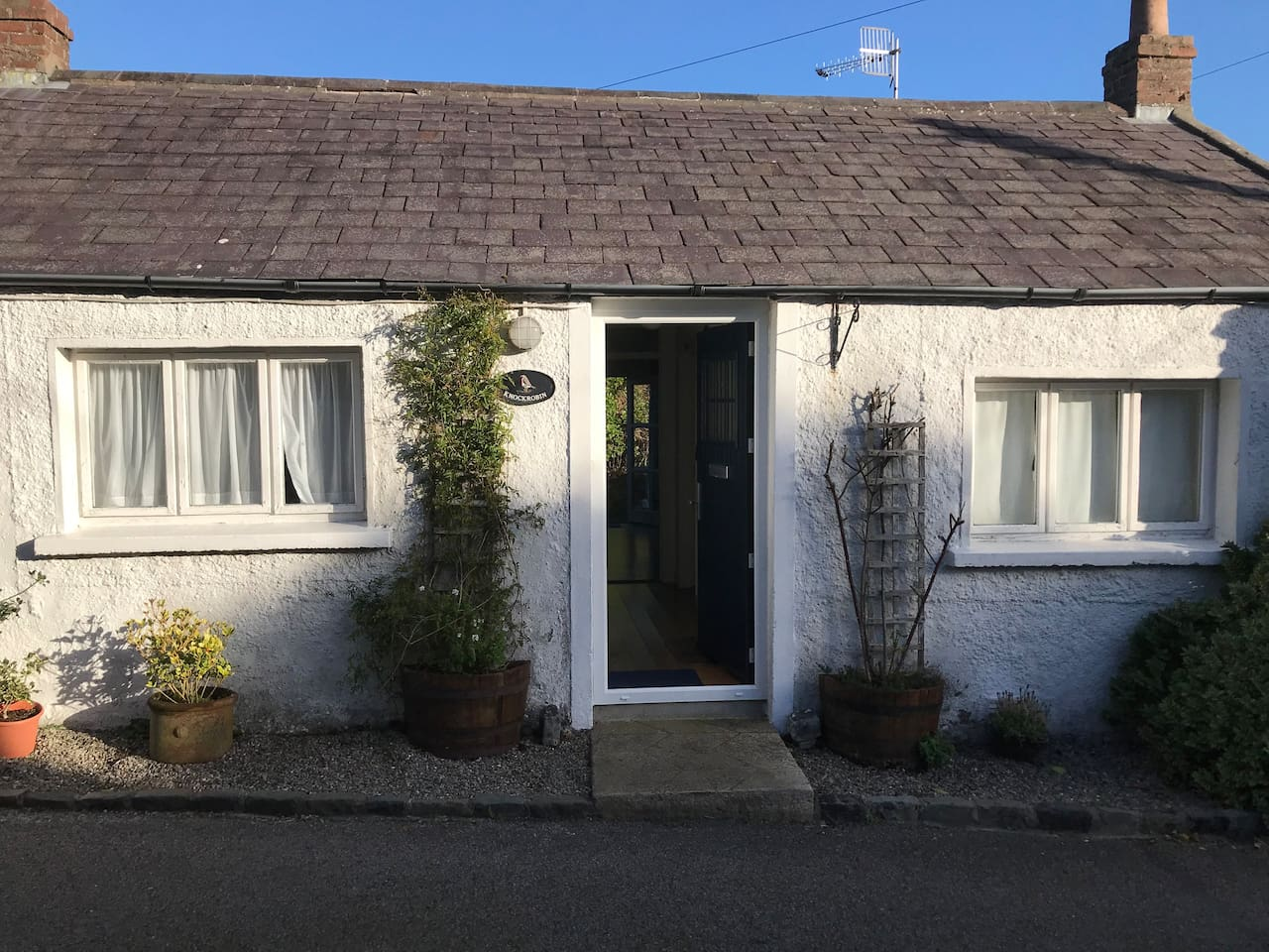 cottages rental little wild in to cottage donegal west the irish beautiful ireland wifi our dublin free on rent crowlar