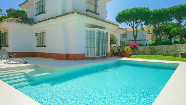Double storey villa with pool 50m from the beach