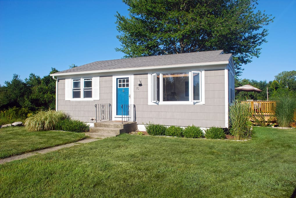 Cute 2 bedroom by the beach houses for rent in for Rhode island bath house