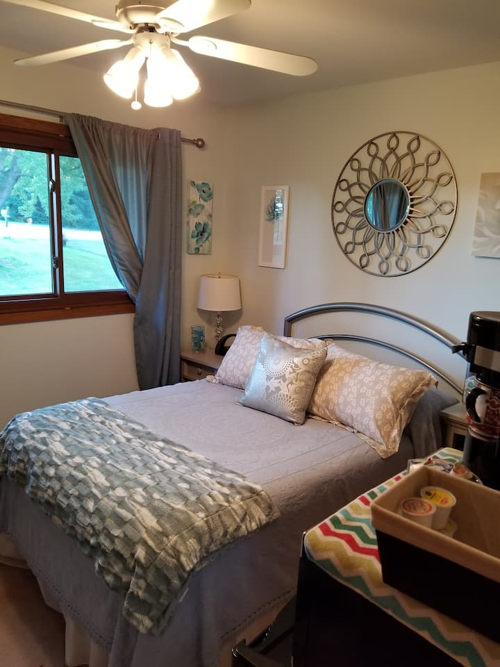 Private room/bath-Epic,visitorVerona/ Madison area
