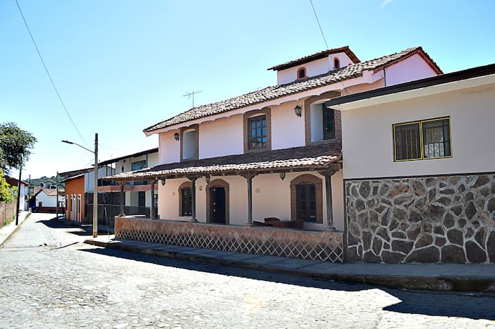 Casa céntrica con vistas en Guachinango