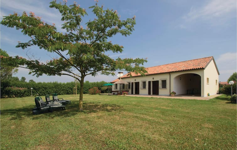 Holiday cottage with 3 bedrooms on 110 m² in Ca'Lino di Chioggia VE