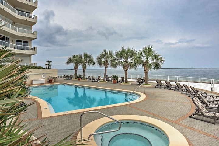 Ocean View Condo w/ Balcony, Pool - Steps to Beach