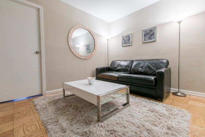 1-BEDROOM APARTMENT AT UPPER EAST SIDE MANHATTAN