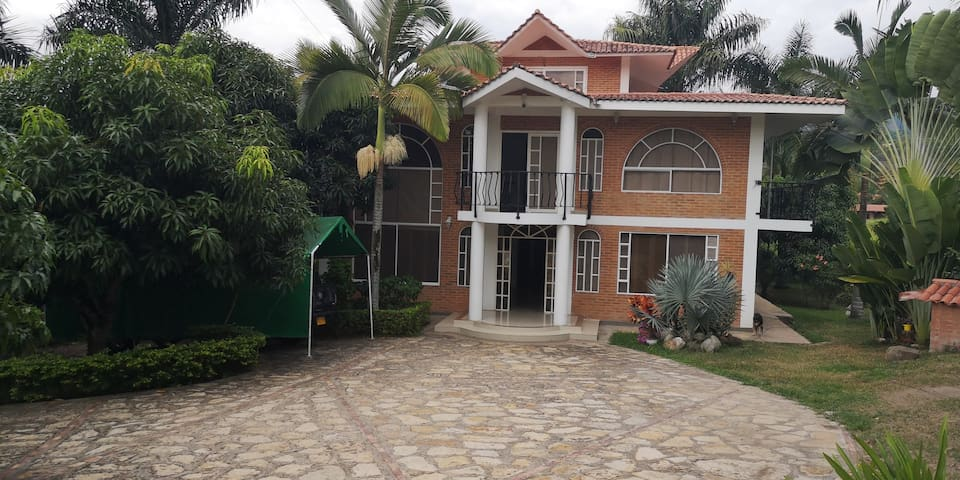 Espectacular Villa El Paraíso