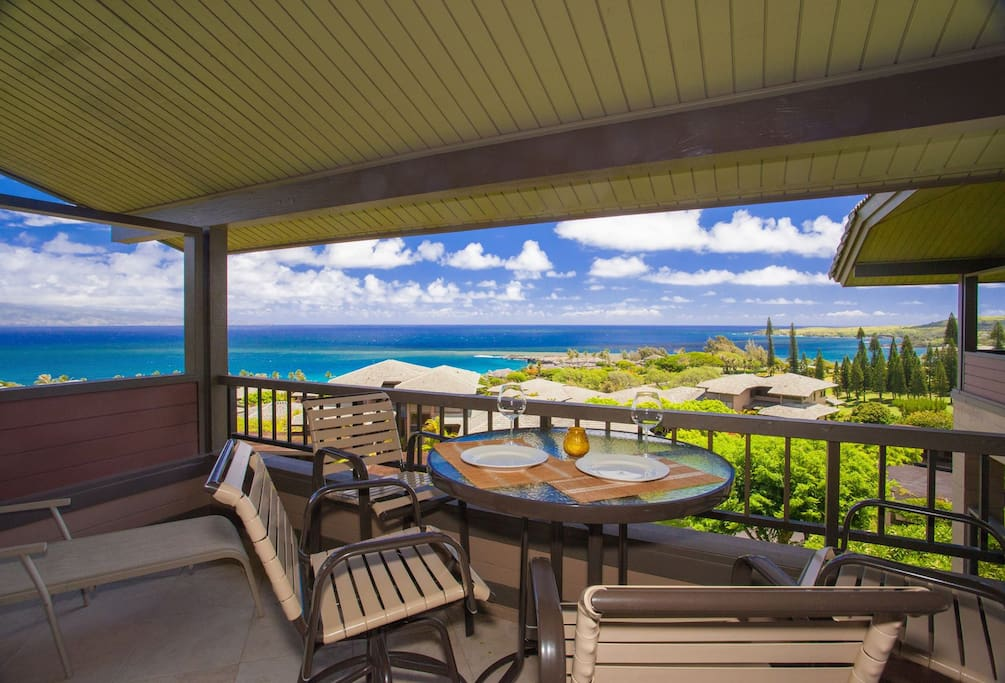 Unsurpassed ocean views on covered protected lanai