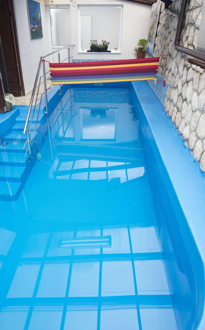 Family indoor heated pool apartment Helena****