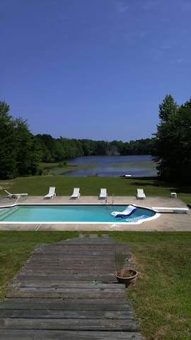 Georgian Colonial 1, lake & pool - Marmora