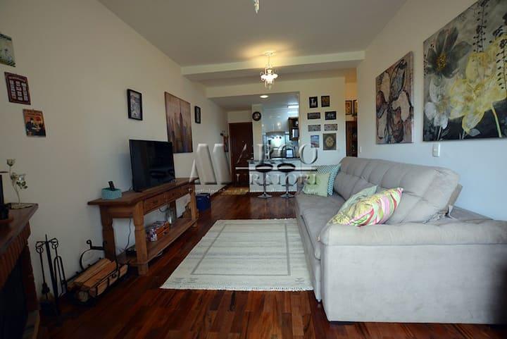 Apartamento com linda vista panorâmica e lareira