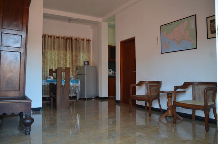 White House Apartment with roof top. - Galle - Apartament