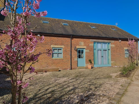 Secluded rural getaway in large converted barn